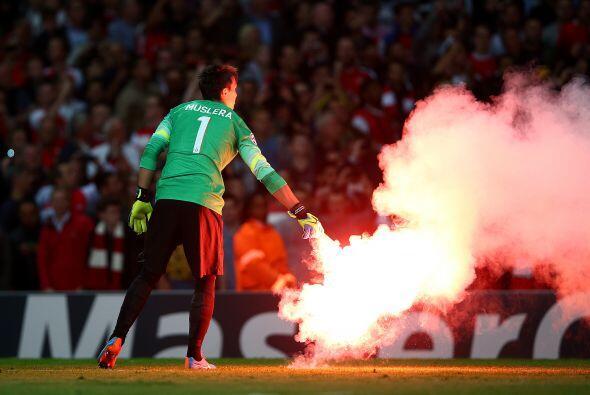 El Arsenal se lució ante su público al golear 4-1 al Galatasaray con tri...