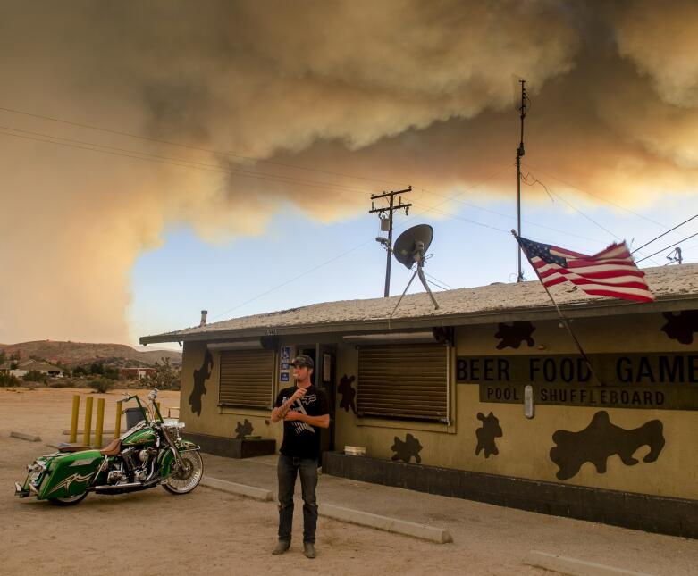 Uno de los evacuados a un motel de carretera por culpa del incendio &#39...