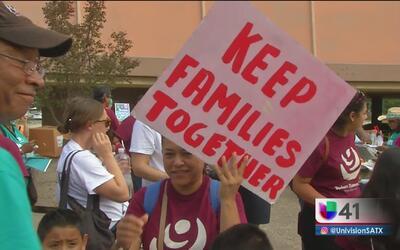 Residentes de Texas protestan en contra de la SB4