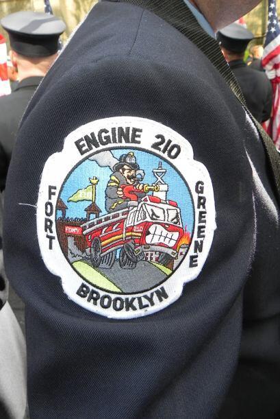 Bomberos del 9/11 honrados en San Patricio efeafe0f60e247eeb13dfb421e092...
