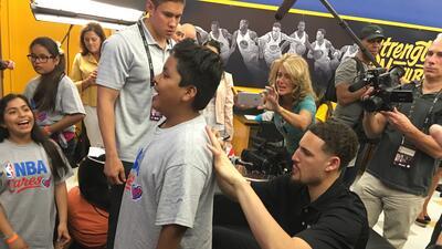 Los Warriors inauguran un área de recreación y estudios en escuela de Oakland