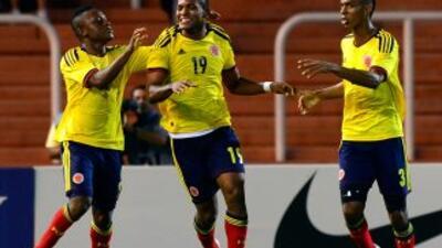 Colombia aprovechó los errores defensivos de Bolivia y tras golear 6-0 s...