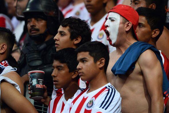 Estadio de Chivas: El campo del Guadalajara no pesó durante los 90 minut...