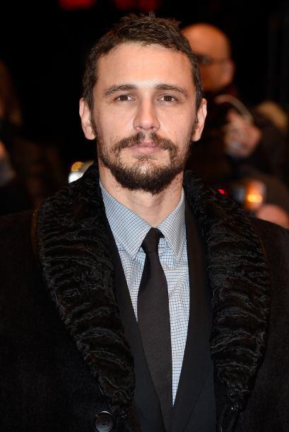 James Franco es otro de los famosos que lucen muy sexys con barba. Él es...