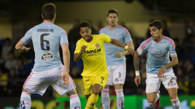 Giovani abrió el marcador escapándose de la defensa del Celta con base e...