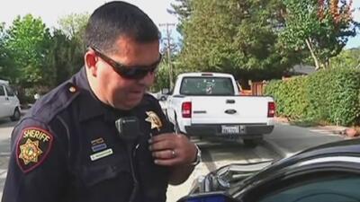 Educar a los jóvenes sobre los protocolos en una detención de tránsito, el objetivo del sheriff de Los Ángeles
