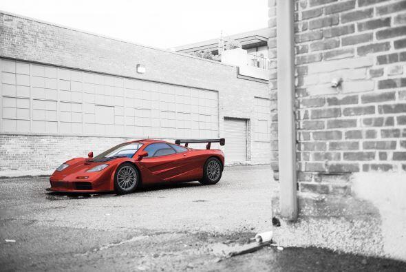 En su lanzamiento, el McLaren F1 era el automóvil de producción más rápi...