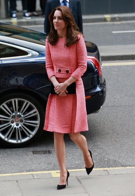 Los 50 mejores vestidos que usó Kate Middleton en 2016 GettyImages-51480...