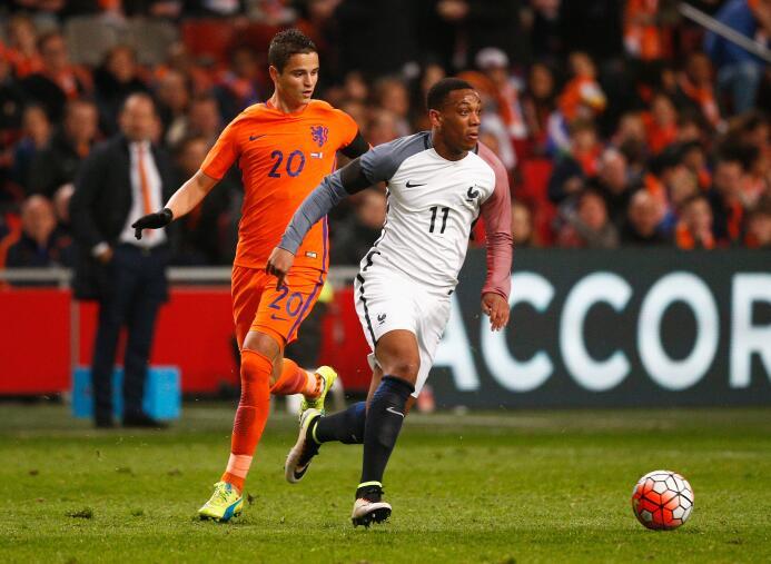 El anfitrión de la Eurocopa se llevó el triunfo 3-2 en amistos ante Hola...