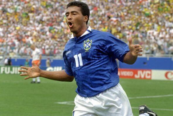 Enzo Leonel Vai, conocido deportivamente como Romario, es un exfutbolist...