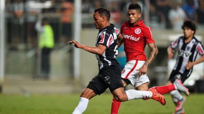 Atlético Mineiro 2-1 Internacional: Atlético Mineiro vence a Internacional y sigue peleando la punta del Brasileirao