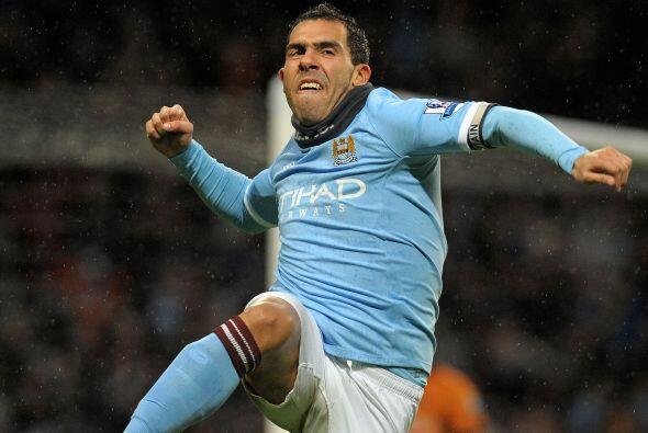 Carlos Tévez es el goleador de la Liga Premier, el presente del delanter...