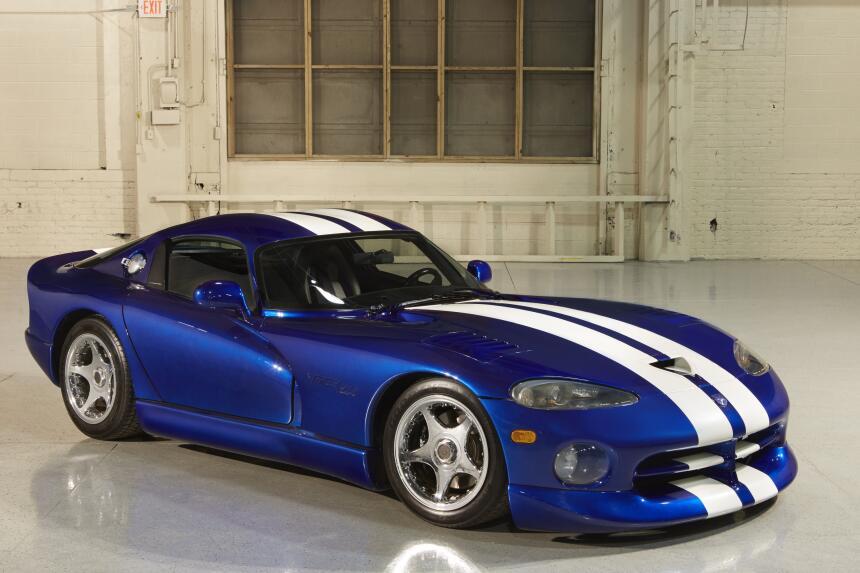 Breve historia gráfica del Dodge Viper HS994_009DG.jpg