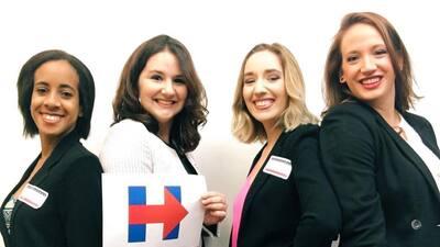 Así se ven las mujeres que salieron a votar en pantalones como muestra de apoyo a Clinton