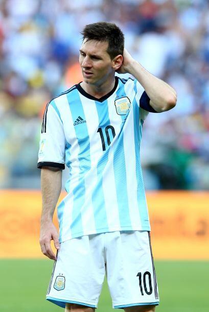 9.- Un fútbol lento, sin ideas, sin intensidad e incluso sin darle opció...