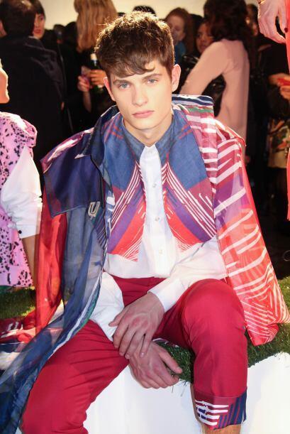 Los tonos rojizos abundaron en muchas de las prendas para caballeros.(Fo...