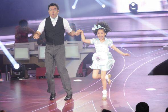 Melissa no tuvo ninguna complicación al bailar con Héctor, se acoplaron...
