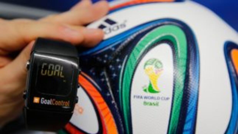 El sistema que permite saber si el balón cruzó la línea de gol será de g...