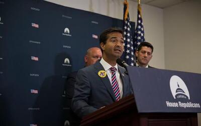 Cralos Curbelo pertenece al partido republicano y tiene un proyecto dife...