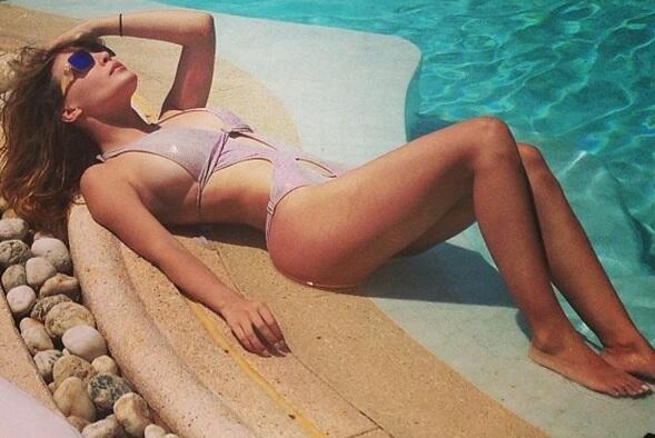 Belinda presume bikini
