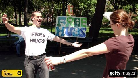 Mensajes de Amós: Recibe un abrazo fraternal