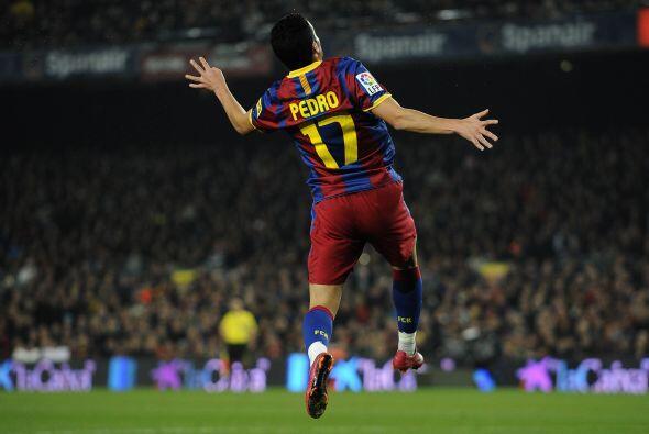 Y apareció Pedro y con el pecho marcó el primero del partido. Era el 1 a...