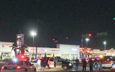 Conductor presuntamente intoxicado chocó contra una patrulla de la polic...