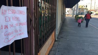 Un comercio de Los Ángeles cerrado el jueves 16 de febrero por la campañ...