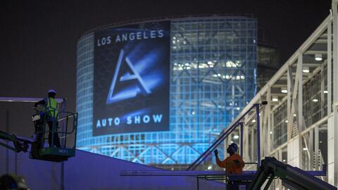 Los Angeles Auto Show GettyImages-624070382.jpg