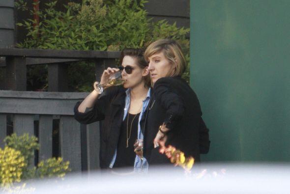 Kristen bebió algunas copas.