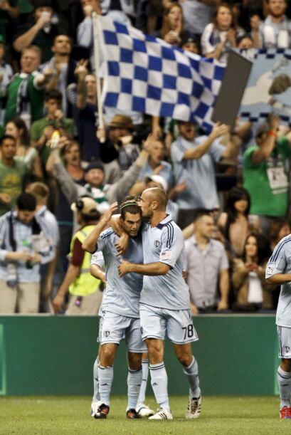 Y tenían que corresponder con una victoria misma que consiguieron por 3-0.