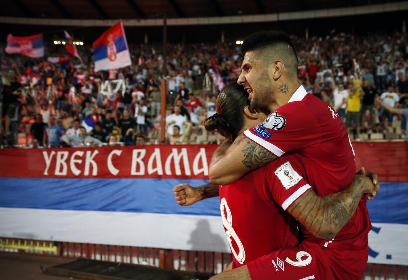 (UEFA / Grupo D) 1. Serbia