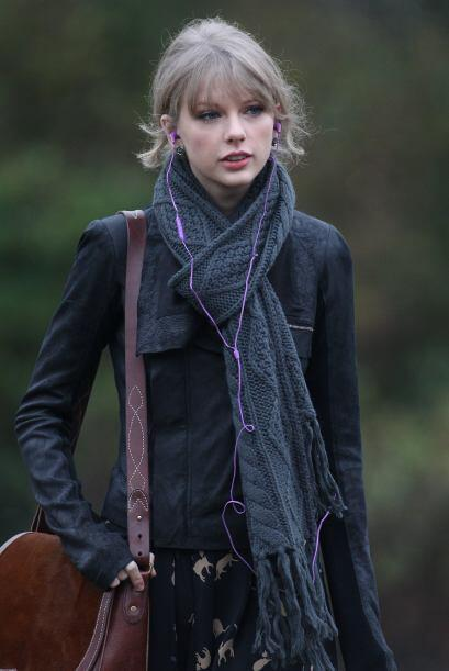 ¡Guapa dentro y fuera de las 'red carpet'! Además de con la voz, Taylor...