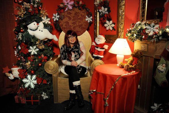¿Podrías creer que hay alguien que no ama la Navidad? Pues Stefanie, de...