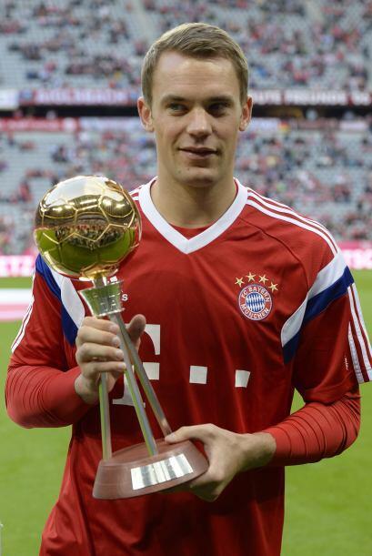 En la Bundesliga también fue reconocido como el Mejor Jugador y Mejor Po...