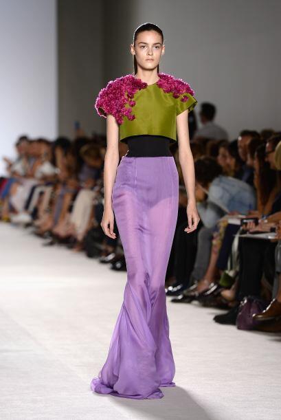 El lila u orquídea será el color que reine en 2014, así que empieza con...