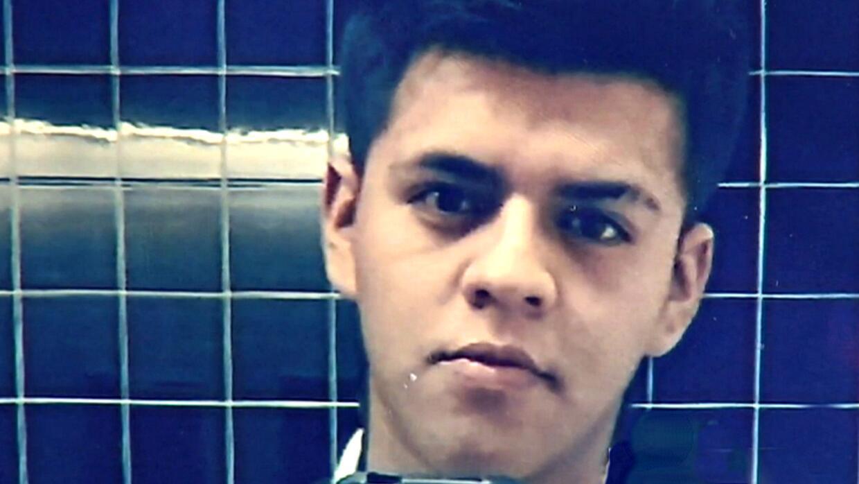 Oscar Josué Avila tiene 19 años y este mes completaría la escuela superior.