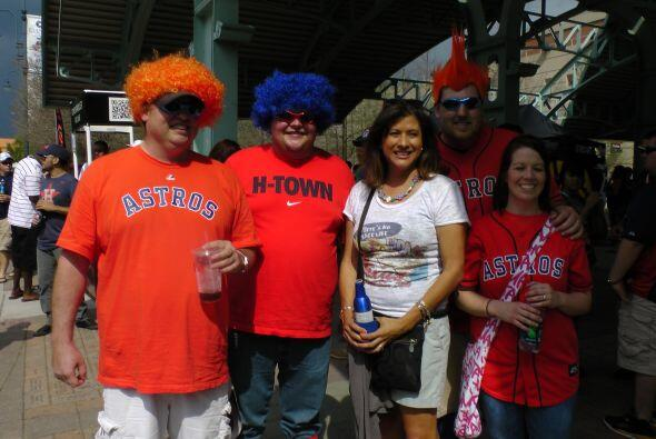 Estos fanáticos de los Astros no siempre lo fueron, pero ahora que tiene...