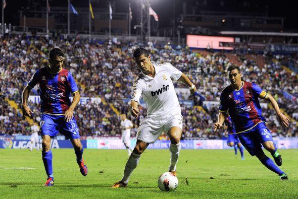 Y Cristiano Ronaldo tuvo que entrar al campo, en busca de la menos un go...