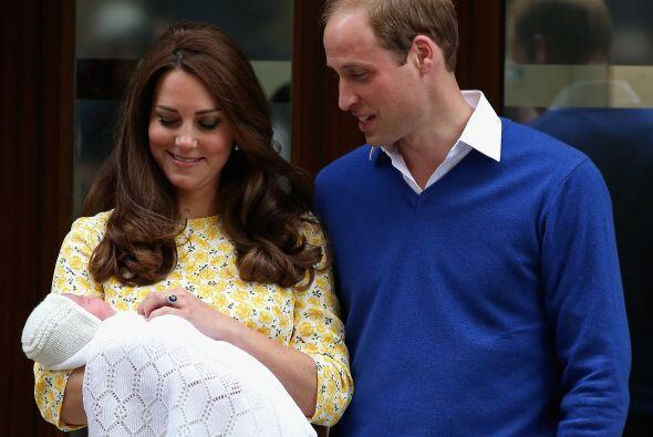 La bebé nació a las 7:34 GMT con 3.7 kilos de peso. Vio la primera luz e...