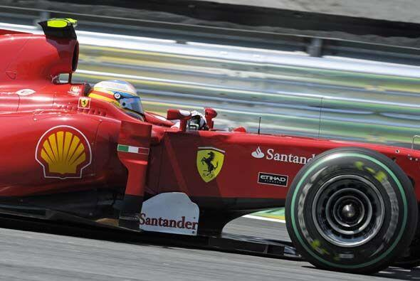 Alonso se mantuvo en el tercer puesto practicamente toda la carrera.