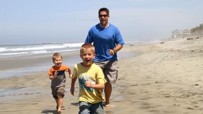Cada vez más  papás están involucrados en el cuidad...