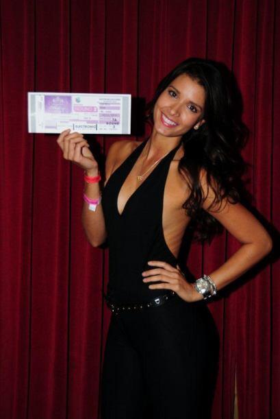 Es modelo, estudiante de comunicación y fue bailarina de Julio Iglesias....