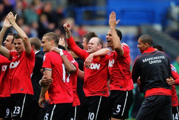 Toda la felicidad de los jugadores del Manchester United al consagrarse...