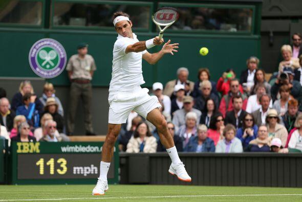 Federer se mostró agresivo, incontestable en la red y afinado en los pri...