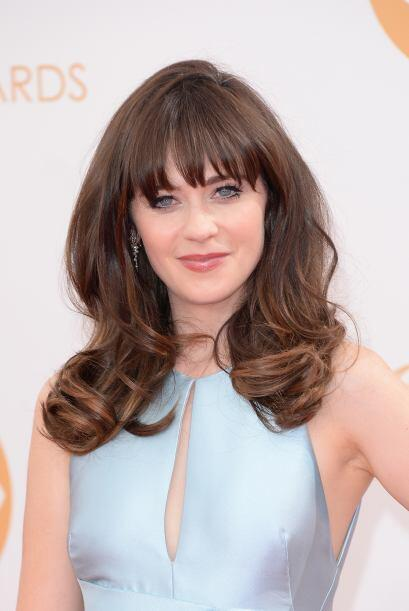 Zooey Deschanel con un elegante 'look' retro.
