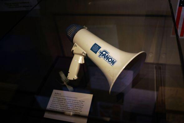El megáfono que usó George W. Bush para hablarles a los primeros en resp...