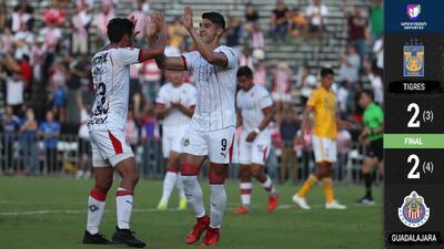 Chivas vence a Tigres en amistoso desde los once pasos y con voltereta incluida