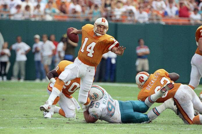 Los 10 quarterbacks con más yardas aéreas en la historia de la NFL 09.jpg
