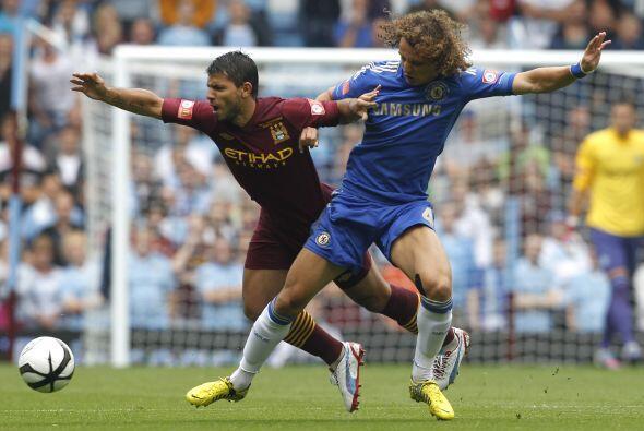 La temporada futbolística en Inglaterra comenzó con la disputa de la Com...